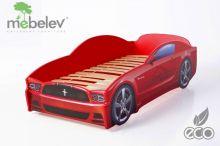 Mustang ar stelāžu