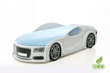 Audi A6 ar stelāžu